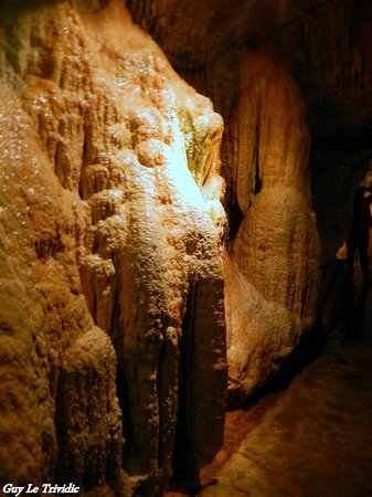 Fontaines Petrifiantes de Saint-Nectaire: Les Grottes