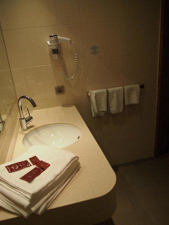 Hotel Celisol: Baño