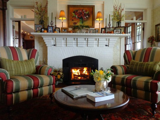 Blair Hill Inn : 7 wood-burning fireplaces to relax by
