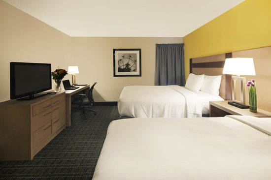 Canadas Best Value Inn Toronto: Double Guestroom