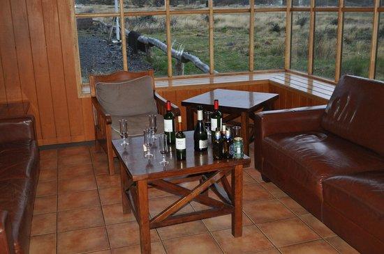 Vertice Paine Grande Mountain Shelter: Living room Refugio Paine Grande