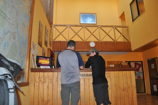 Vertice Paine Grande Mountain Shelter: Reception Refugio Paine Grande