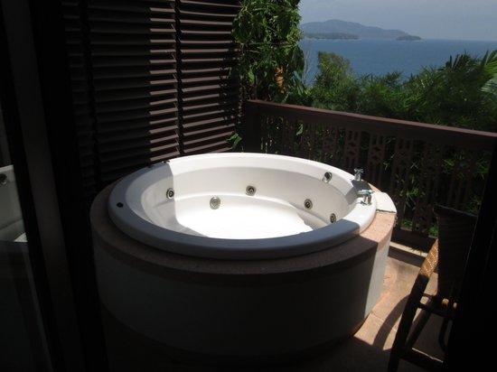 Centara Villas Phuket: jacuzzi view from our balcony