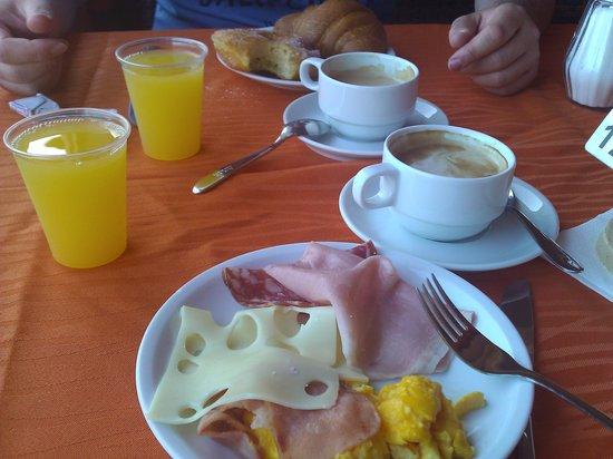 Hotel Club Saraceno : Frühstück