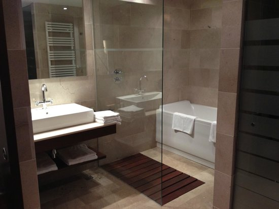 Finca Prats Hotel Golf & Spa: Bathroom, Finca Prats, Lleida