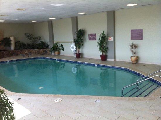 Embassy Suites by Hilton Oklahoma City Will Rogers Airport: Limpa e água aquecida !!