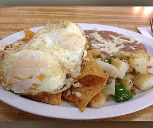 Casa Gazcon Mexican Grill: Chilaquiles!!