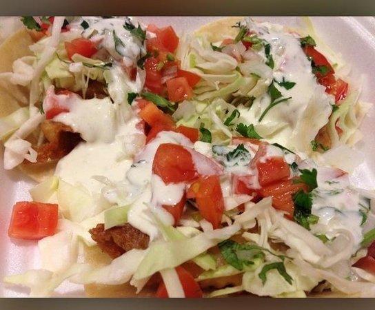 Casa Gazcon Mexican Grill: Fish tacos!