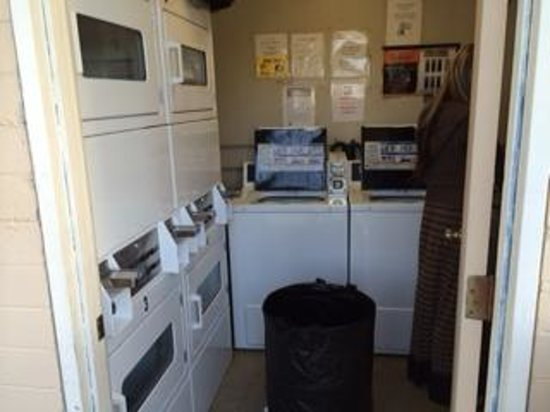 Mission Bay RV Resort: The Laundry Cubicle...