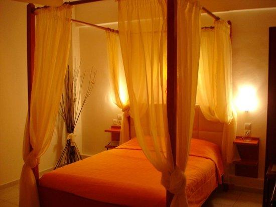 Assamaris Apartments: suite