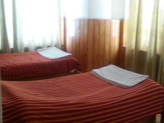 R. Penjor Lodge : twin bedded
