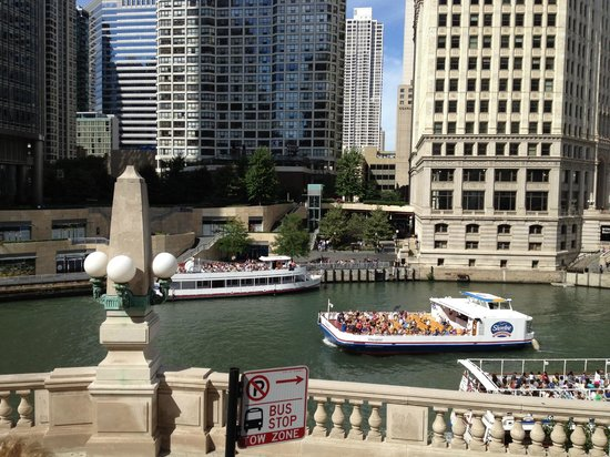 Chicago's First Lady Cruises: River Cruise