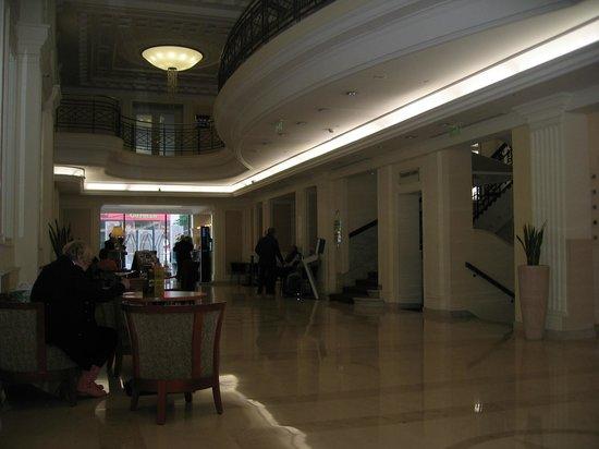 Novotel Budapest Centrum: salone ingresso