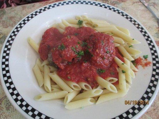 Fratello's Italian Grille: Pasta w/Meatballs & Marinara Sauce
