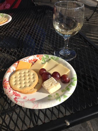 Lavender Inn by the Sea: Wine & Cheese