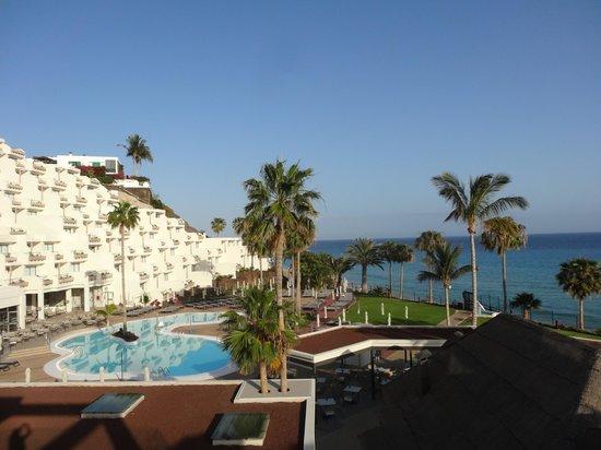 TUI SENSIMAR Calypso Resort & Spa: vue sur la piscine
