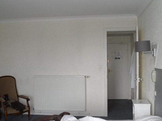 Hôtel-Club Cosmos : hall d'entrée de la chambre