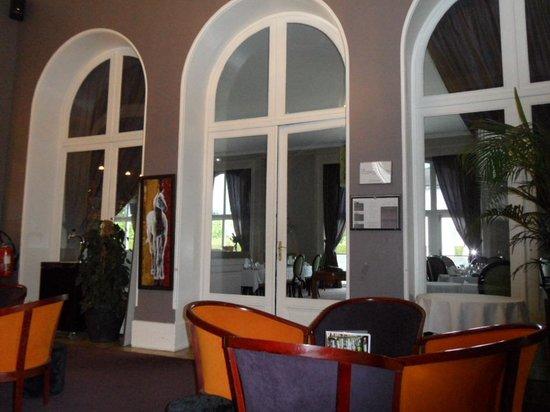 Hôtel-Club Cosmos : petit salon à côté du bar