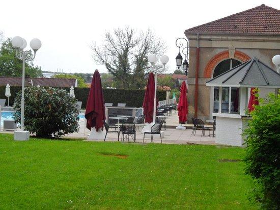 Hôtel-Club Cosmos : Terrasse piscine