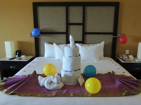 Sensimar Seaside Suites & Spa: Birthday towels