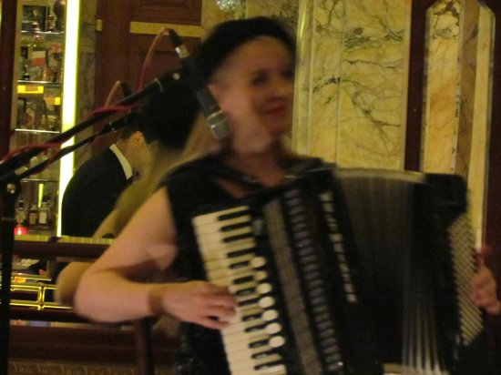 Brasserie Zedel: One of the groups of the night