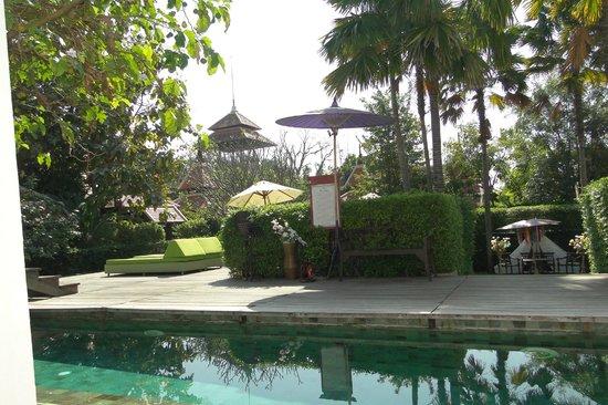 Siripanna Villa Resort & Spa: JARDINES