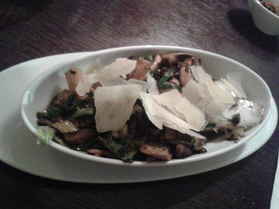 Rokah 73 : Mashroom salad.