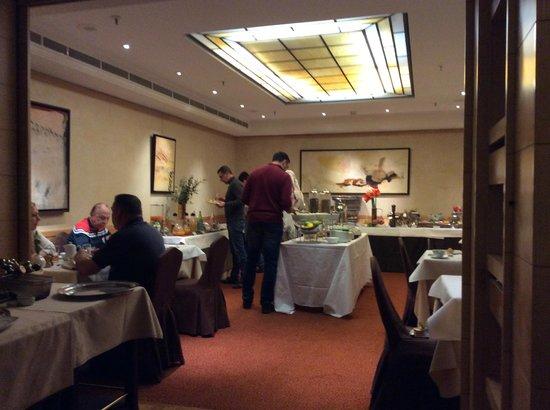 Warwick Paris: Café da manhã