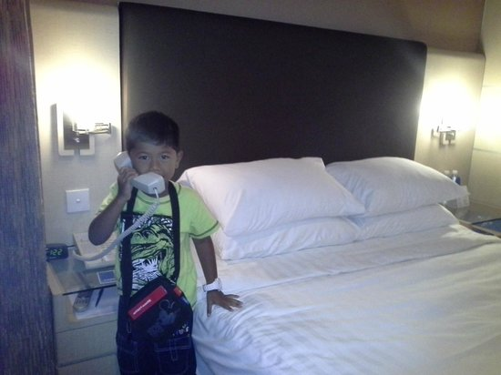 Four Points by Sheraton: Room