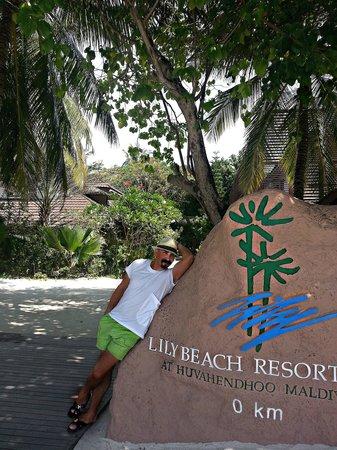 Lily Beach Resort & Spa: выход на остров с катера...