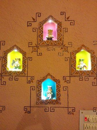 Ganges Inn: decoration