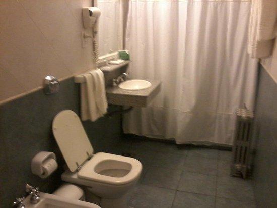 Castelar Hotel & Spa: el baño