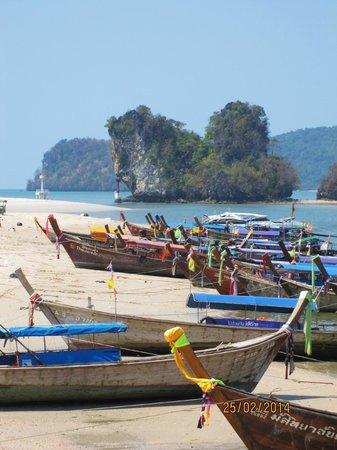 Krabi La Playa Resort: Beach