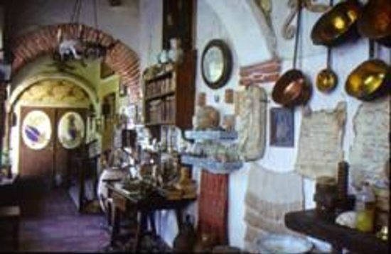 Museo de Farmacia Botica de Peñaranda de Duero: Interior de la Botica