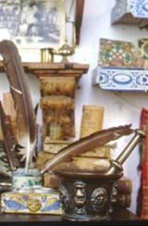 Museo de Farmacia Botica de Peñaranda de Duero: Elementos de escritura