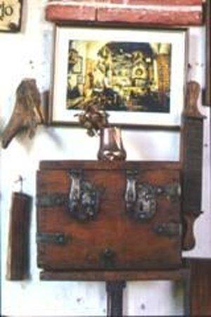Museo de Farmacia Botica de Peñaranda de Duero: Interior de la rebotica