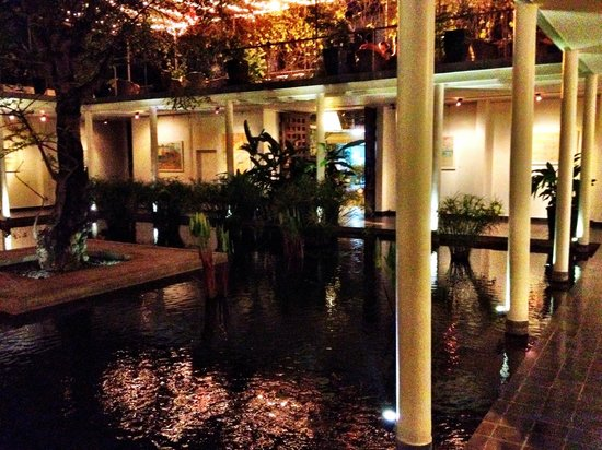 The Plantation - urban resort & spa : The front entrance pool and restaurant