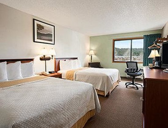Days Inn Coeur d'Alene : Two Queen Bed Room