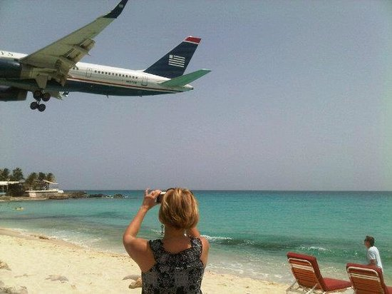 Royal Islander Club La Terrasse Resort: Plane Spotting - Maho Beach