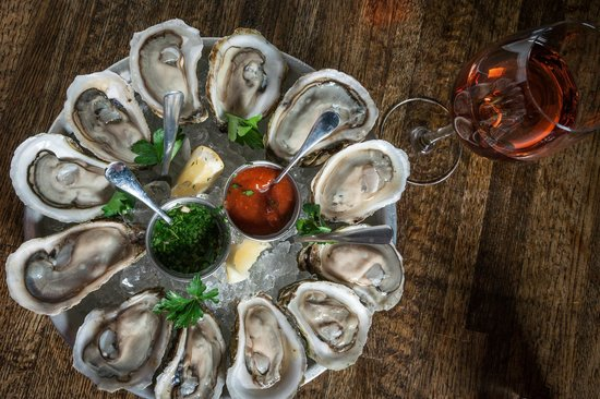 $1 Oyster Happy Hour 4-6 Mon-Fri - Picture of The Liberty NYC, New