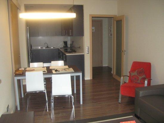 Apartments Casp74: cucina/soggiorno