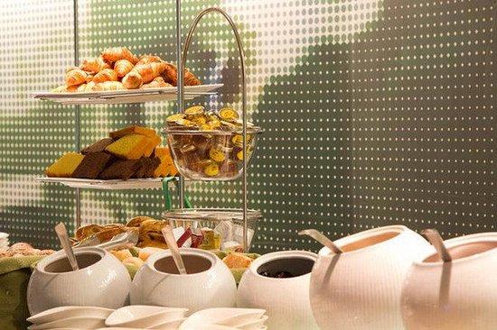 Hotel BLOOM!: Breakfast
