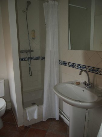 Hotel De L'Amphitheatre: baño