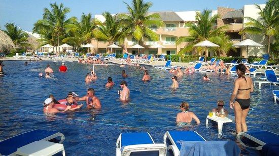 Memories Splash Punta Cana : Active Pool