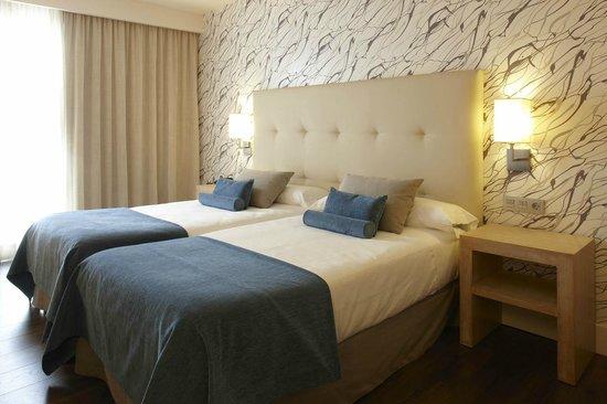 Hotel Carmen Granada: Habitacion Standard Blanca celeste