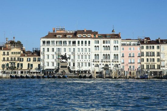 Photo of Hotel Londra Palace Venice