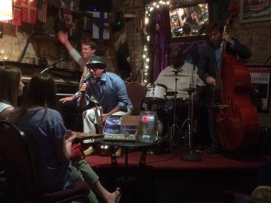 Fritzel's European Jazz Bar : Local Band