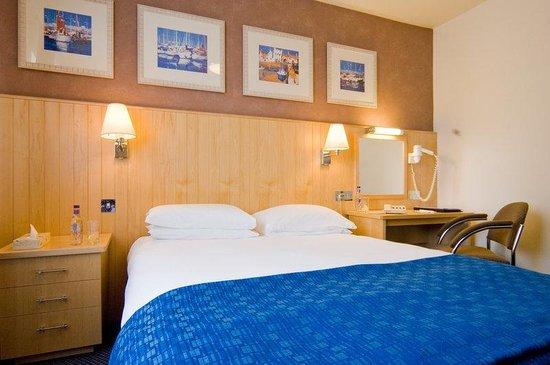 Merton Hotel Bedroom