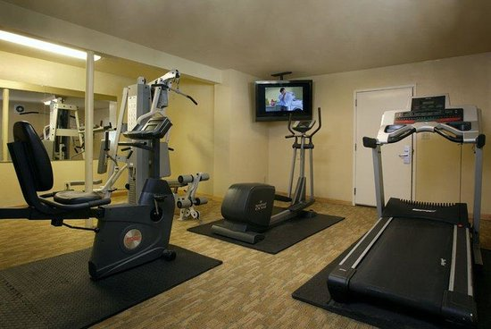 Marin Suites Hotel: Fitness Center with Dry Sauna