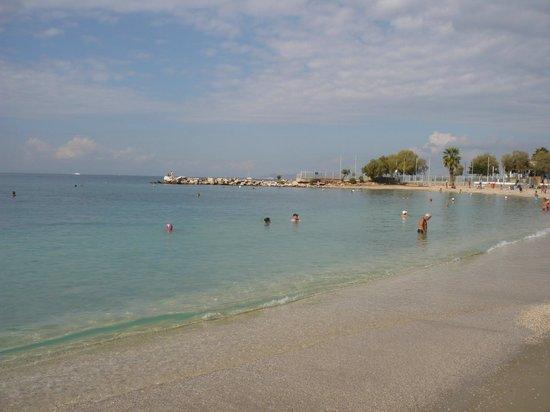 Nefeli Hotel: Пляж у отеля